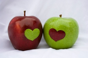 Heart_apples_by_ChemicalYouth2-1024x682